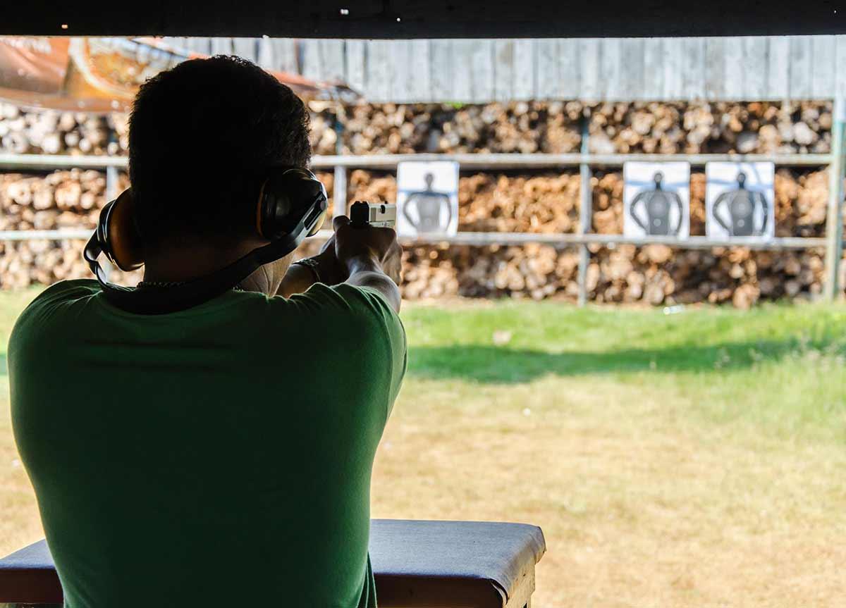 Стрелбата - скъпо хоби за истински мъже