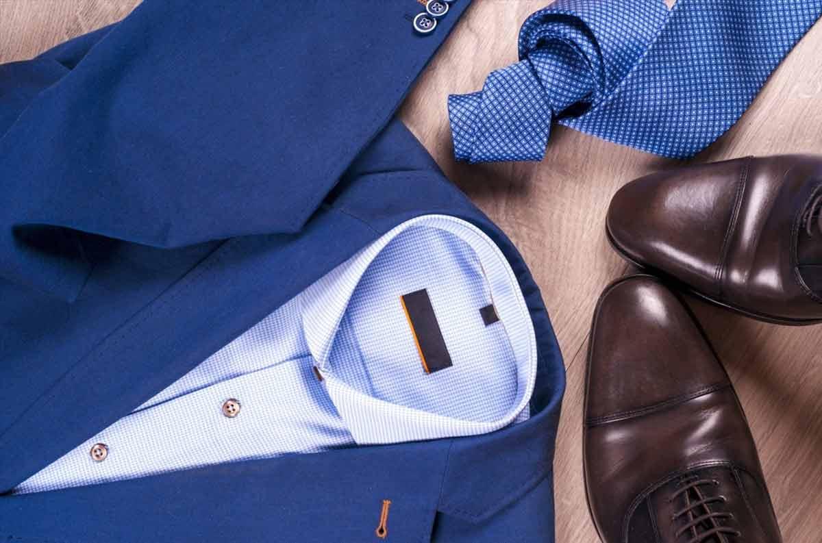 Изберете първо костюм, след това вратовръзка