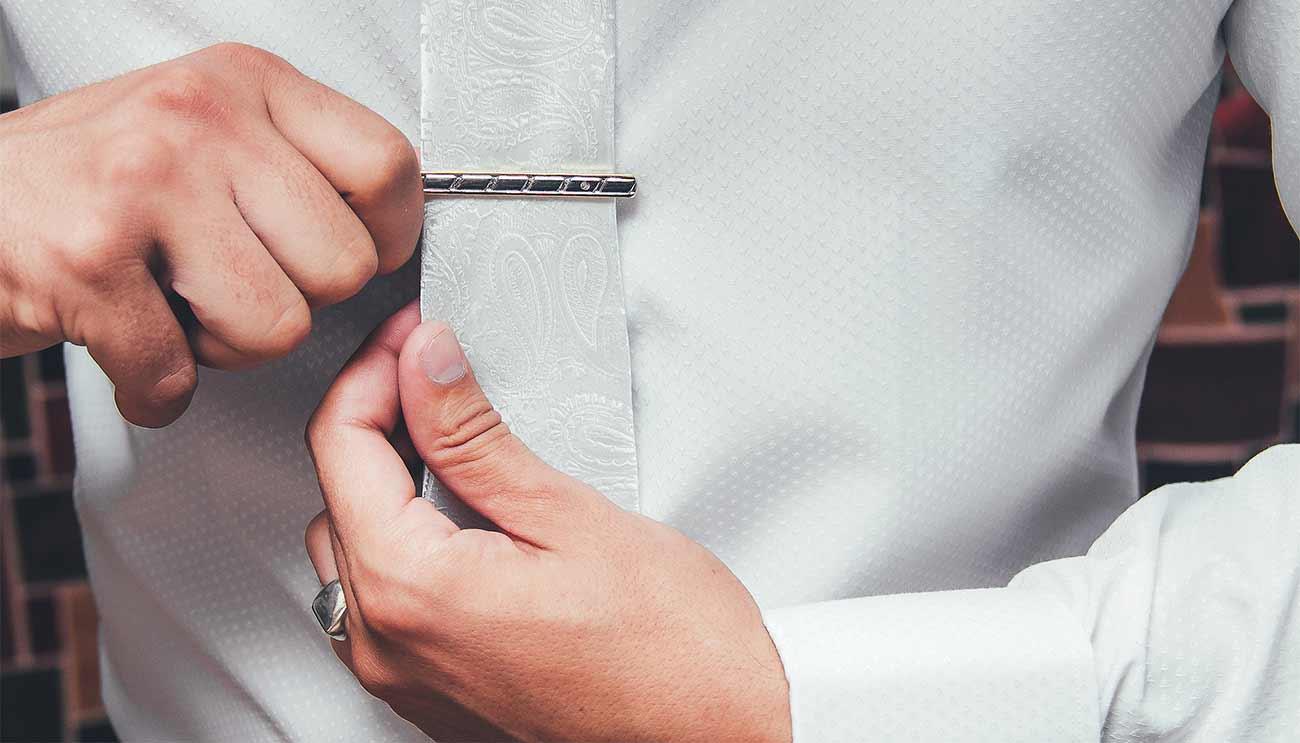 Щипка за вратовръзка